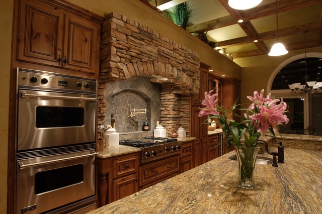 Rustic elegant kitchen for Elegant residences kitchens