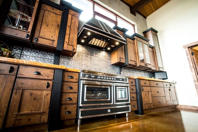 Rustic industrial style in montagna cucina milwaukee di drexel building supply - Cucine industrial style ...