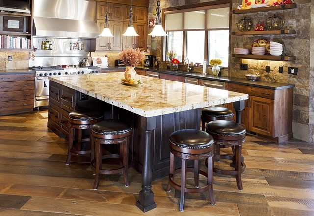 Rustic kitchen for Traditional rustic kitchen