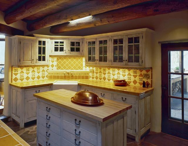 Rustic southwest santa fe nm farmhouse kitchen for Rustic home albuquerque