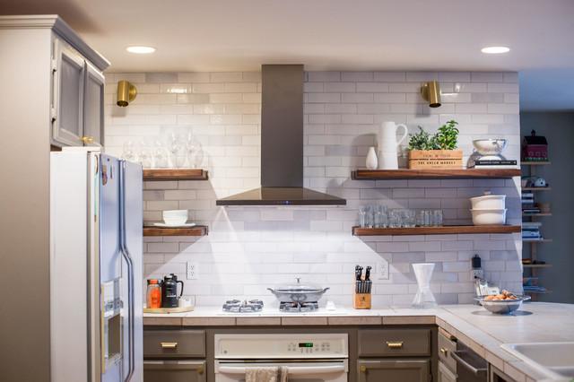 Rustic White Brick Kitchen Backsplash Rustikal Kuche Seattle Von Fireclay Tile Houzz