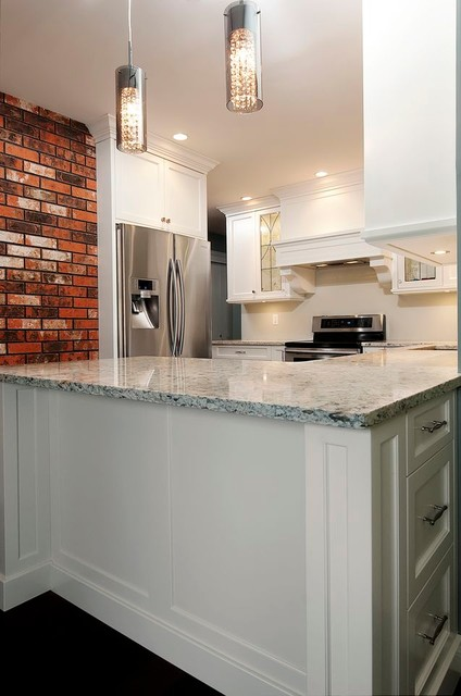 Ruttli Meadows By Thomas Philips Woodworking Ltd traditional-kitchen