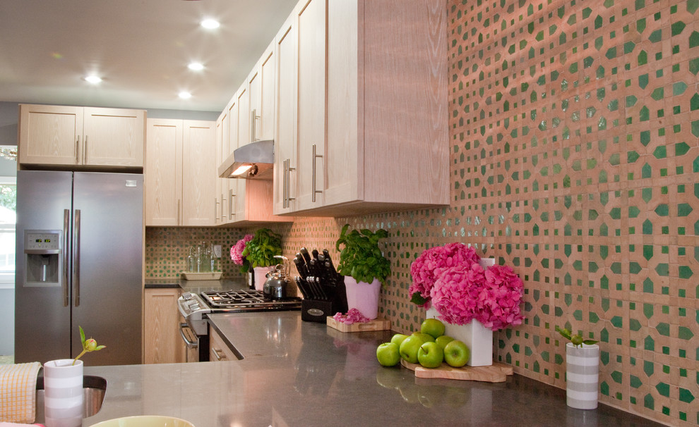 Example of an eclectic kitchen design in New York