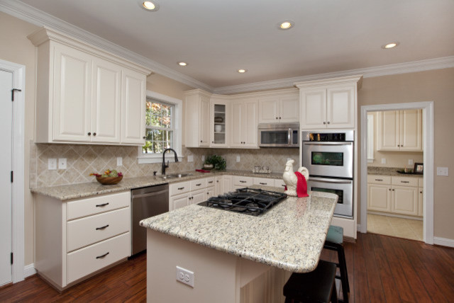 Sailview Consulting & Staging traditional-kitchen