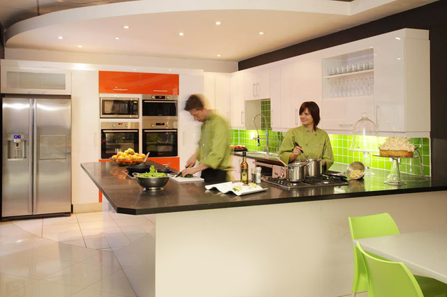 Samplex corporate offices modern kitchen other metro for Houzz corporate office