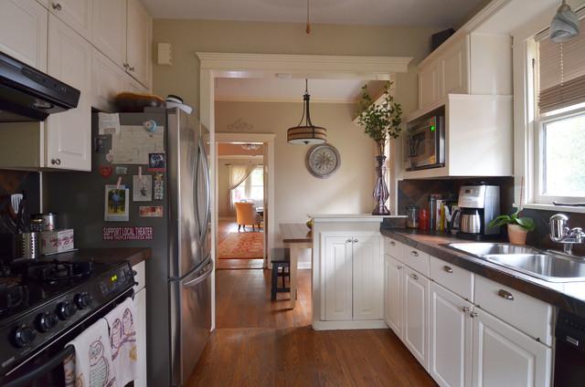 San Antonio, TX: Chris Berry & Paige Blend traditional-kitchen