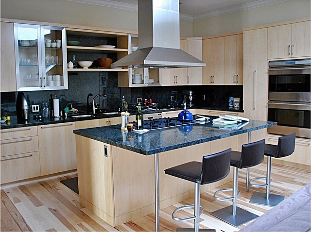 san francisco 39 s marina kitchen cabinets. Black Bedroom Furniture Sets. Home Design Ideas