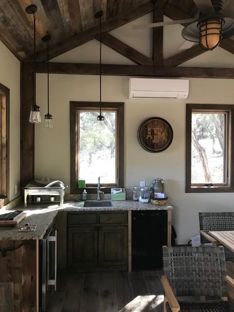 Kitchen - rustic kitchen idea in Austin