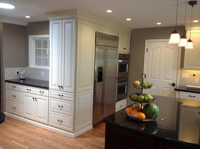 San Jose Medallion Maple Kitchen By Signature Kitchen Bath Traditional Kitchen Other