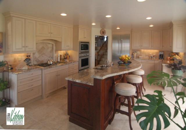 San Luis Kitchen Co Classy Mediterran Kuche San Luis Obispo Von San Luis Kitchen Co Houzz