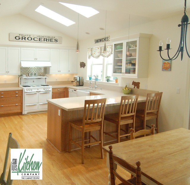 San Luis Kitchen Co., Country traditional-kitchen