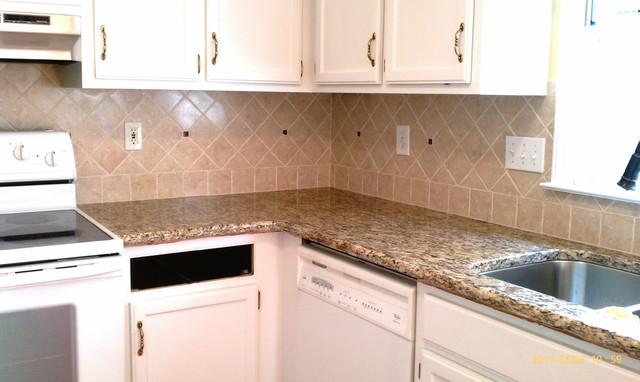 Santa Cecilia Granite 484848 For White Kitchen Cabinets Classy Backsplash For Santa Cecilia Granite Countertop Painting
