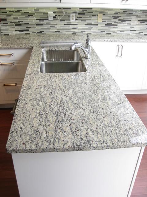 Santa Cecilia Light granite countertop - Traditional - Kitchen ...
