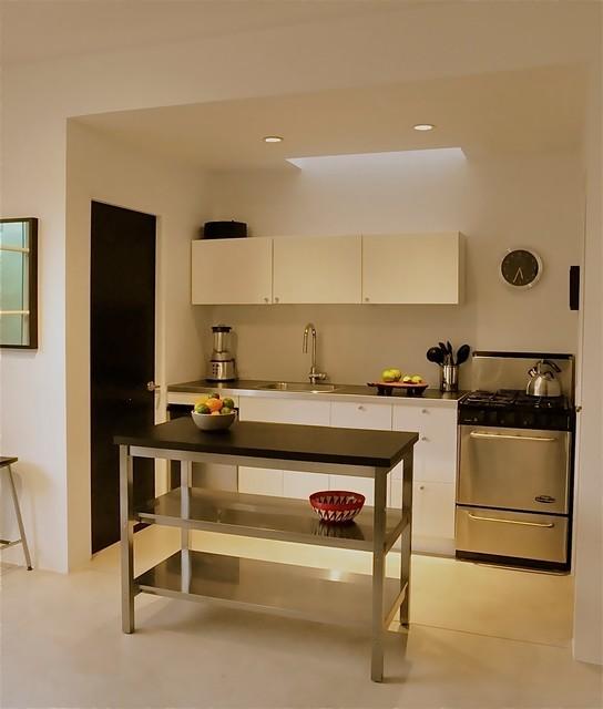 Santa Fe Guest House Modern Kitchen Albuquerque By Tushita Design