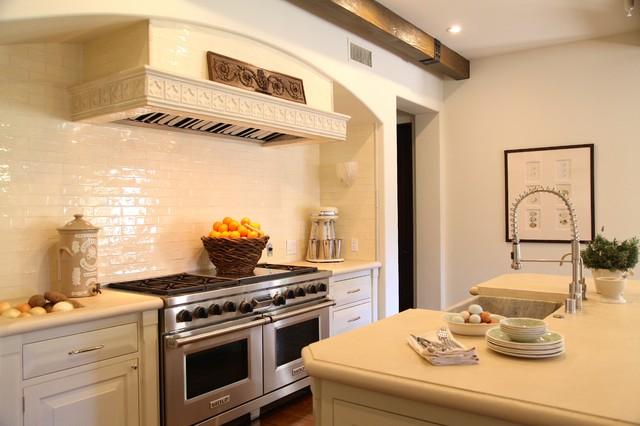 Santa Monica Mountains transitional-kitchen
