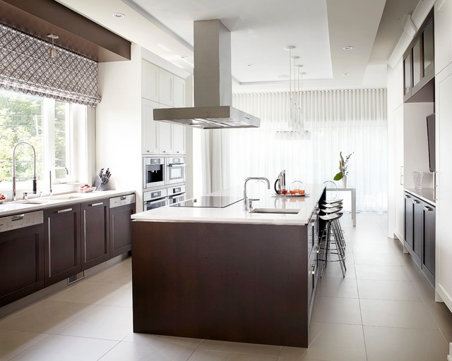 Saraguay contemporary kitchen montreal by mario for Kitchen design montreal