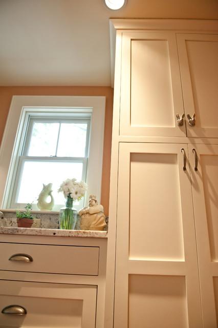 Sarah Steinberg Custom Designs traditional-kitchen