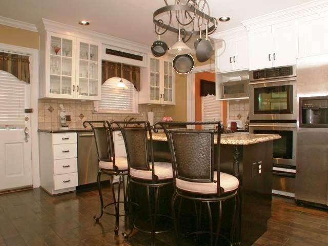Saratoga Drive Listing (Highlands) traditional-kitchen