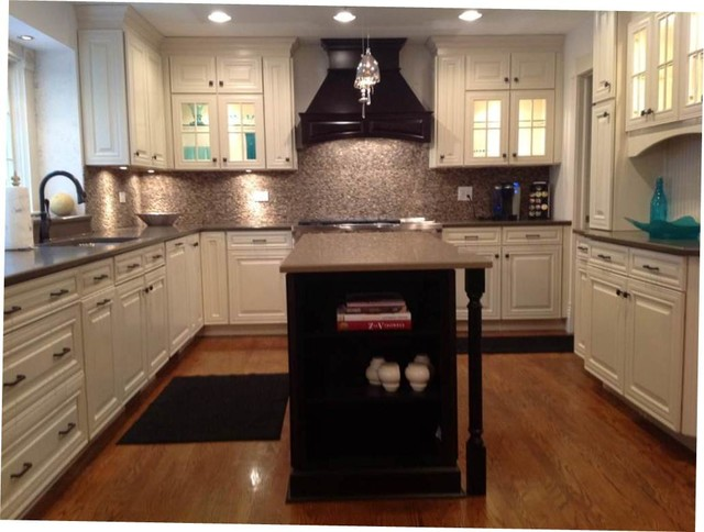 Savannah Maple Two-Tone Kitchen - Transitional - Kitchen - chicago - by Woodmark Central