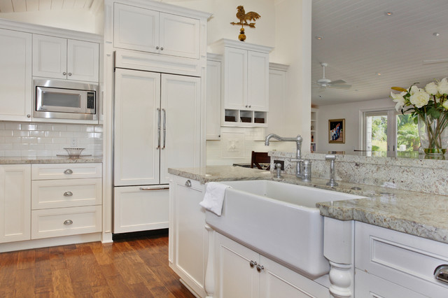 Savvy Interiors traditional-kitchen