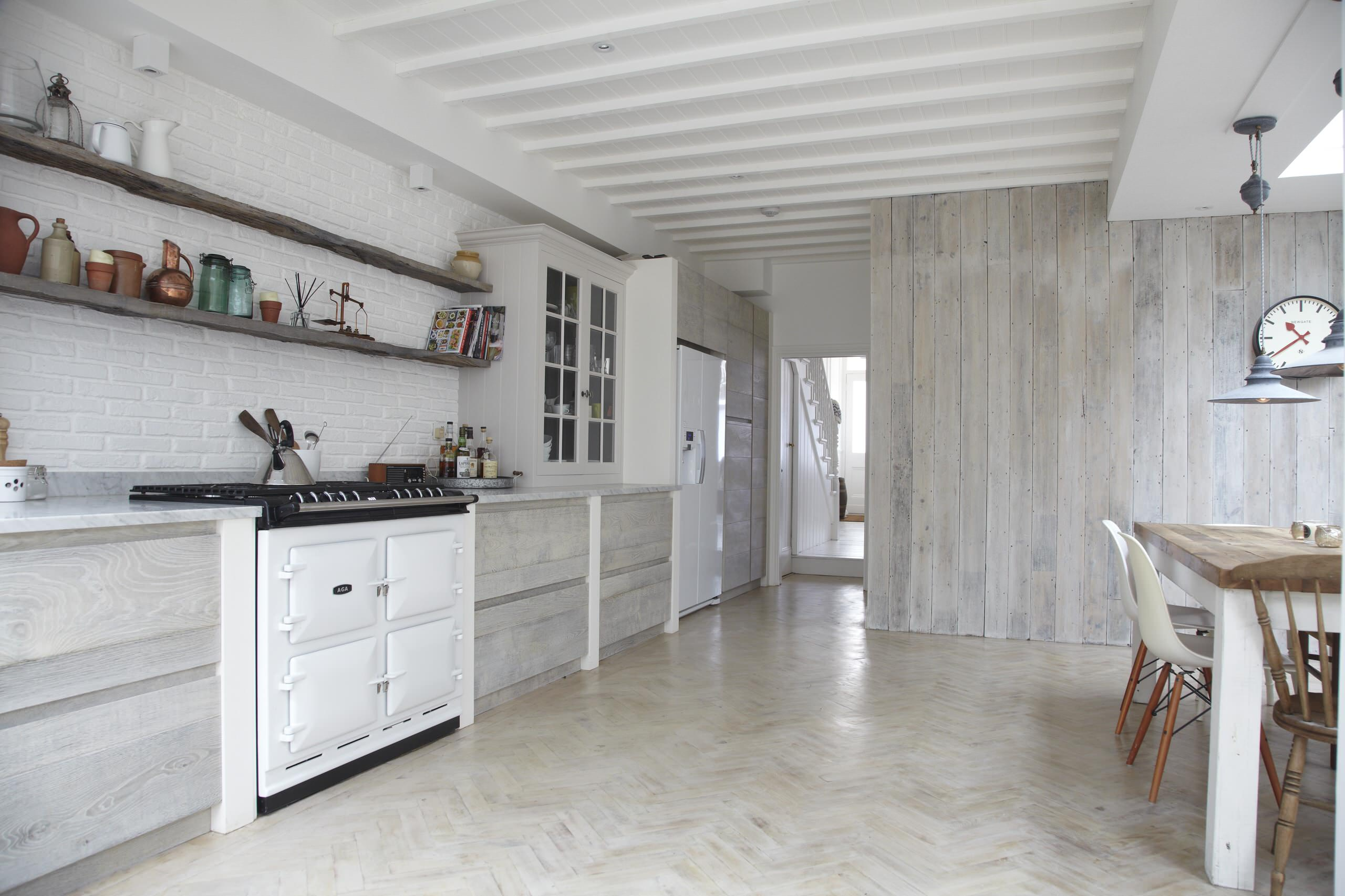 75 Beautiful Kitchen With White Appliances Pictures Ideas January 2021 Houzz