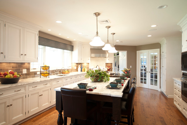 Scarsdale transitional kitchen design and project for Transitional kitchen designs
