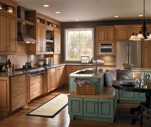 Maple Cabinets In Traditional Kitchen: Schrock Cabinetry: Maple Palomino