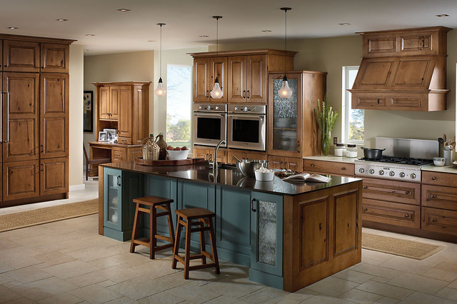 Schuler Cabinetry traditional kitchen
