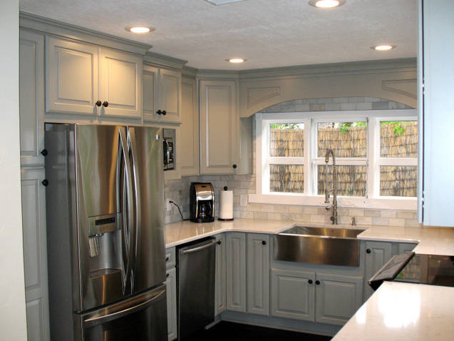 Schuler Cabinetry - Traditional - Kitchen - Charlotte - by Sarah J.