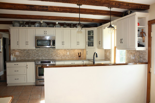 Schuler Sugar Creek Maple Cabinets American Traditional Kitchen Toronto By Lowe S Belleville Ontario