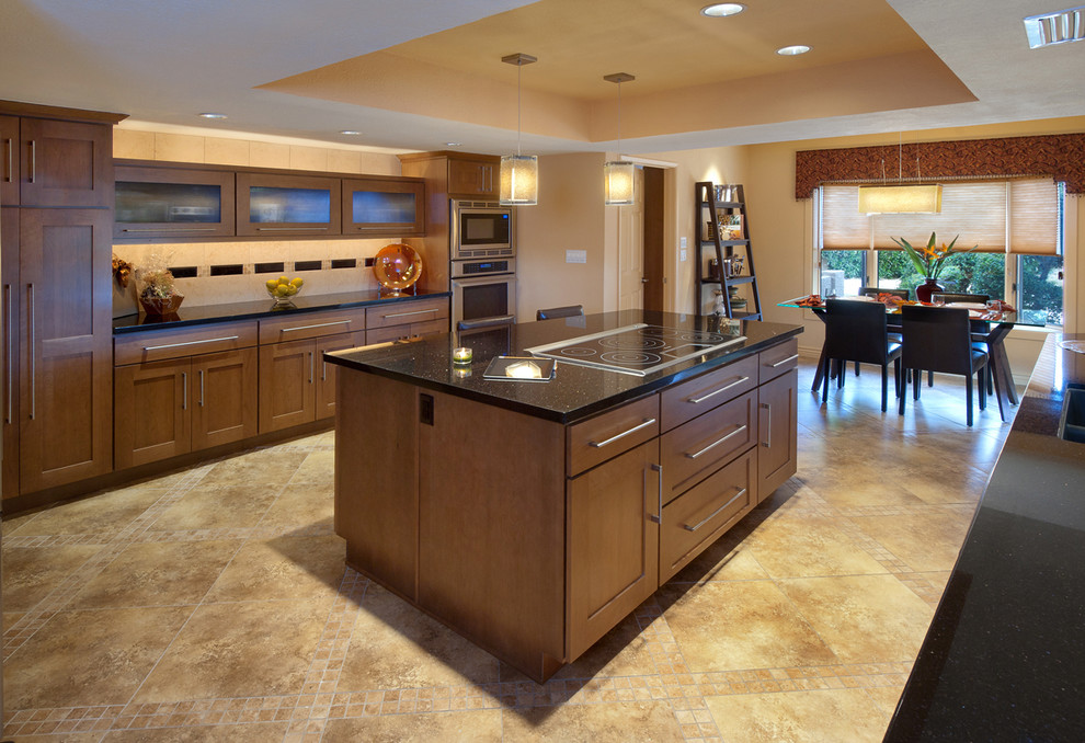 Kitchen - contemporary kitchen idea in Phoenix