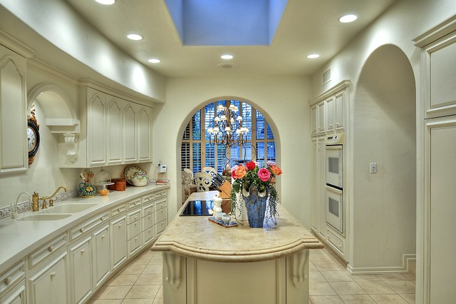 Scottsdale Waterfront Homes traditional-kitchen
