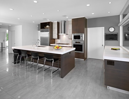Even a modern look Contemporary Kitchen design by Toronto