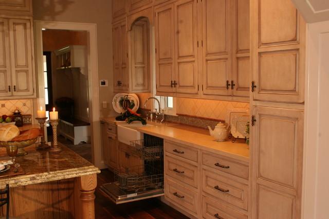 Sea Island Home traditional-kitchen