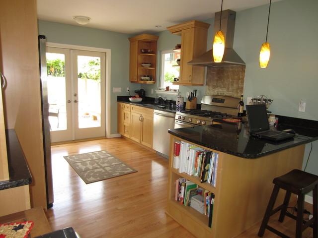 Seattle rambler addition kitchen traditional kitchen for Rambler kitchen remodel ideas