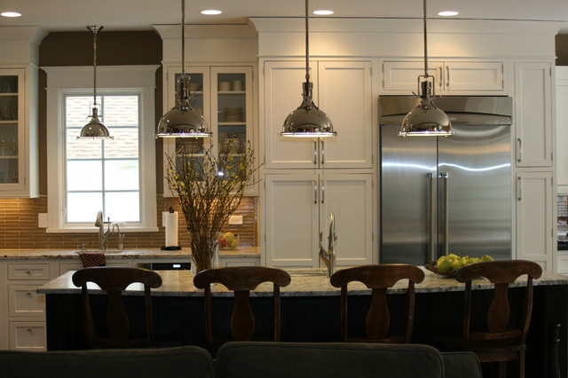 kitchen islands pendant lights done right - Hanging Lights For Over Kitchen Island