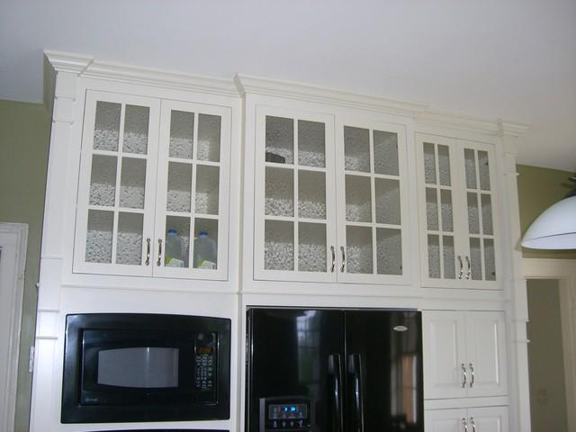 Bathroom Floor To Ceiling Storage : Seeded glass floor to ceiling storage traditional