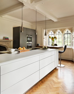 Sensitive refurbishment of a 17th-century vicarage - Contemporary - Kitchen - Oxfordshire