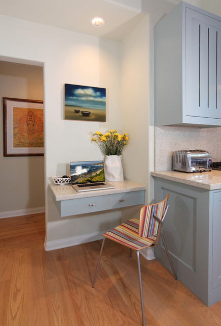 Transitional kitchen photo in Los Angeles with stainless steel appliances