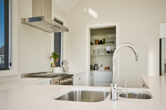 Serling traditional-kitchen