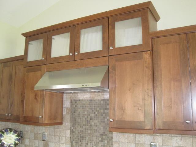 Shaker alder nutmeg eclectic kitchen seattle for Alder shaker kitchen cabinets