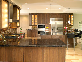 Shaker Black Walnut Kitchen Traditional Kitchen