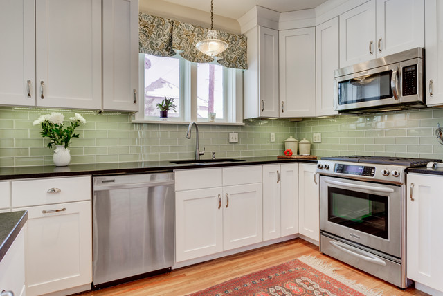 Shaker Cabinets And Double Stacked Crown Moulding Modern