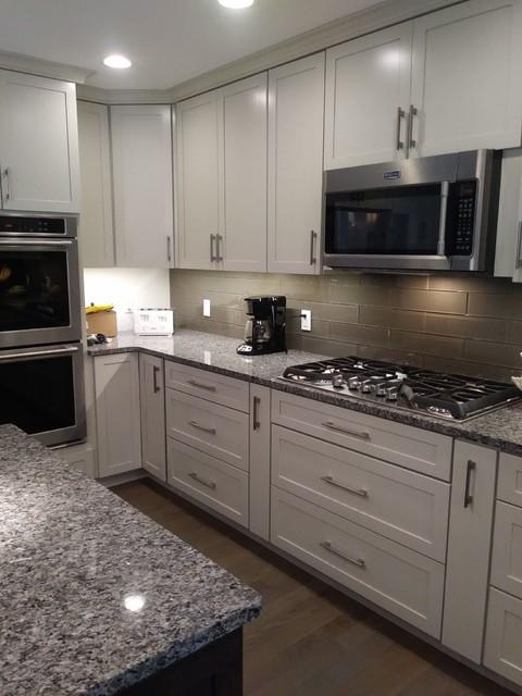 Shaker Cabinets - Modern - Kitchen - Chicago - by Von Tobel