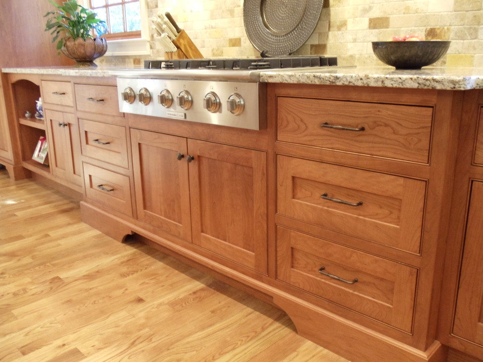 Shaker Cherry Beaded Inset Kitchen Traditional Kitchen Atlanta By Acworth Cabinet Inc