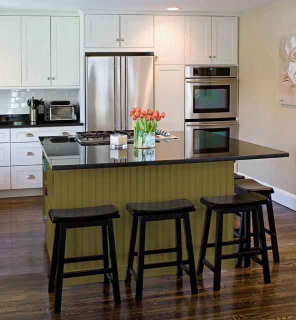 Shaker Kitchen Cabinets | Dayton Door Style | CliqStudios contemporary-kitchen