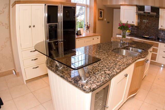 Shaker Style Kitchen traditional-kitchen