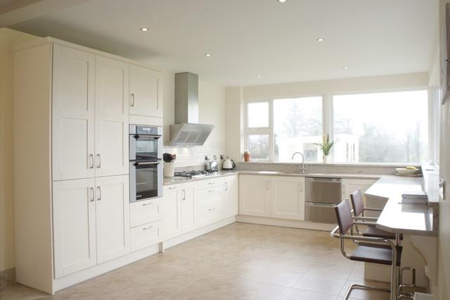 Shaker style kitchen natural granite benchtop modern for Shaker style kitchen with granite