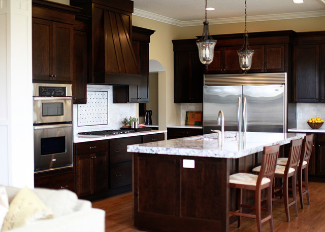 Shakopee Parade Home Spring 2012 traditional-kitchen