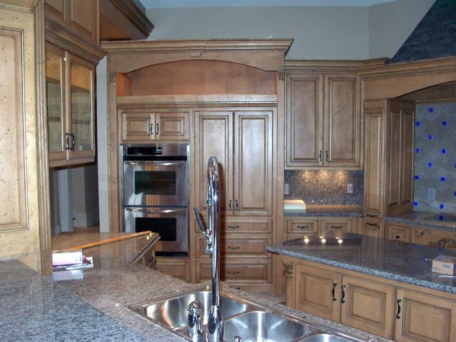 Sharp traditional-kitchen